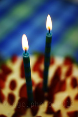 candles on a cake... (Gregoria Gregoriou Crowe) Tags: birthday ireland food cake horizontal closeup photography candle nopeople celebration birthdaycake tipperary foodanddrink indulgence freshness colourimage blurbackground