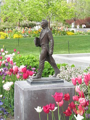 Temple Square - Salt Lake City, Utah (Dougtone) Tags: flower fountain statue temple utah saltlakecity mormon templesquare mormontabernaclechoir churchoflatterdaysaints