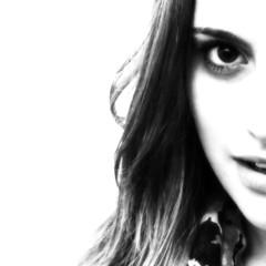 jolie en noir et blanc - Explored 6/20/13 (saudades1000) Tags: portrait blackandwhite woman beautiful smile youth pretty femme jolie noiretblanch