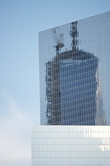 Freedom Reflected (mausgabe) Tags: nyc batterypark esplanade worldfinancialcenter freedomtower 200mmf4dmicro nikond800