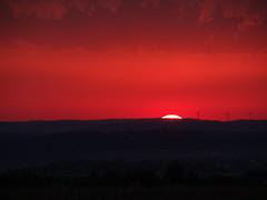 "Gigantischer ""Feuerhimmel"" - Gigantic fire sky (Ela2007) Tags: sunset windturbines feuerhimmel firesky farbenspiel windkraftanlagen windkraftrder"
