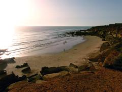 Cala El Pato SAM0075 02 (fjguerragi) Tags: blanco pueblo playa cadiz cala acantilado ola roche oceano conil atlantico urbanizacion