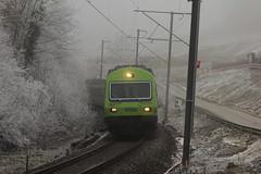 RegioExpress mit BLS Ltschbergbahn EW III Steuerwagen bei der Baustelle fr den neuen Rosshuserntunnel im Kanton Bern in der Schweiz (chrchr_75) Tags: fog train schweiz switzerland nebel suisse swiss eisenbahn zug baustelle christoph dezember svizzera bls nebbia bahn treno niebla brouillard bau bauarbeiten neuer suissa chrigu neblig 1312 2013 kantonbern ltschbergbahn chrchr hurni chrchr75 nebeltag chriguhurni rosshuserntunnel albumblsltschbergbahn chriguhurnibluemailch dezember2013 albumrosshuserntunnel seitegmmenen albumltschbergbahn albumnebelinderschweiz
