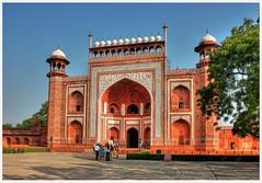 Agra IND - Taj Mahal Main Gate 02