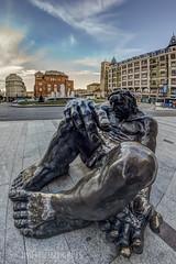 La Negrilla (Javier Daz Barrera (javierdiazbarrera.es)) Tags: urban sculpture escultura urbana len plazadesantodomingo javierdiaz amanciogonzlez laviejanegrilla javierdaz javierdb javierdazbarrera legiophotos javibichos javierdiazbarrera javierdiazbarreraes