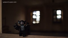 Anteprima LDL reportage al Palazzo Ghisalberti Nocca. (Legamidilego) Tags: man abandoned dark lego fear bat creepy boogie destroyed reportage minifigure toypics legamidilego