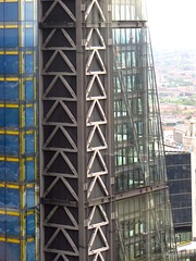 #70 Triangle (Pat's_photos) Tags: building london architecture triangle cheesegrater 11570