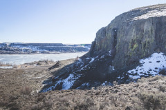 Halfway up (johnwporter) Tags: hiking scramble mountains easternwashington centralwashington washington desert steamboatrock grandcoulee coulee bankslake 徒步 爬行 山 華盛頓東部 華盛頓中部 華盛頓州 荒漠 大深谷 深谷 班克斯湖 輪船岩