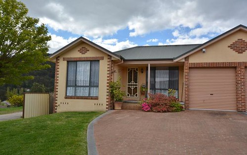 1/25 Hoskins Avenue, Lithgow NSW 2790