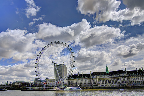 London eye clouds