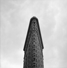 Flat Iron (mikahsupageek) Tags: new york 120 film monochrome kodak hasselblad medium format analogue 500cm