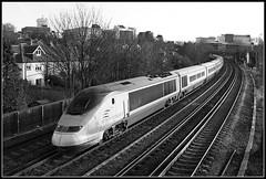 Eurostar 3005, Bromley (Jason 87030) Tags: eurostar bromley nomore camera shot 2014 canon january 2007 railway footbridge jasonrodhouse uk england city waterloo ts location lineside
