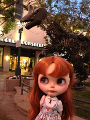 Verne shopping on the Third Street Promenade