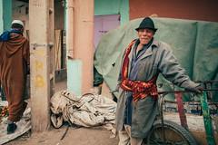Blues Brother (toletoletole (www.levold.de/photosphere)) Tags: fujixt2 marokko zagora people menschen portrait porträt mann man