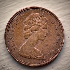 Reine de cuivre (tad888) Tags: metal métal macro queen reine un one 1 rond relief copper cuivre sous monnaie cent