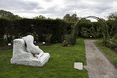 Fens_20161025_083 (falconn67) Tags: boston park fenway fens autumn canon 5dmarkiii 24105l desconsol statue marble kelleherrosegarden garden nude woman