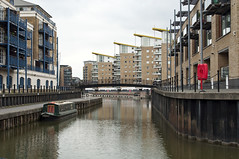 Entering the basin (R M Collins) Tags: london canal grandunion limehousecut