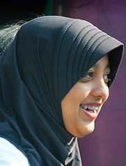 2009_04_28_9999_164fr (Mangiwau) Tags: street girls tooth indonesia asian braces teeth hijab jakarta gigi raya jalan dentistry indonesian jabotabek jilbab djakarta cewek pinggir dki ibukota behel