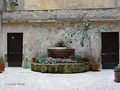 Buonarroti 39 (Via) 01 (Fontaines de Rome) Tags: rome roma fountain brunnen fuente via font fountains fontana fontaine rom 39 fuentes bron buonarroti fontane fontaines viabuonarroti viabuonarroti39