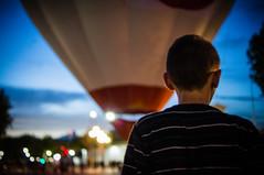 Boy and balloon (BuRegreg) Tags: street spain streetphotography streetphoto rue albacete castillalamancha callejera 2013