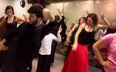 Juan Manuel Zurano en clases (Manuél Betanzos) Tags: de manuel flamenco ¨baile ¨sevilla ¨flamenco¨ ¨escuela ¨clases flamenco¨ ¨academia betanzos¨ ¨sevillanas¨ sevillanas¨ ¨triana ¨españa