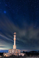 "Sanctus Iacobus Fulget. (Finalista Yahoo! ""Picture of the Day"" 15/02/2014). (Recesvintus) Tags: nightphotography blue sky sculpture espaa monument night clouds stars noche cross monumento escultura cruz cielo nubes estrellas es pilgrimage nocturne caminodesantiago albacete cruceiro stonecross peregrinacin wayofstjames roadtosantiago canoneos50d fotografanocturna tokina1116f28 recesvintus hoyagonzalo cruzadatemtica mygearandme mygearandmepremium mygearandmebronze mygearandmesilver mygearandmegold caminodelevante mygearandmeplatinum mygearandmediamond potd:country=es fontanardearriba"