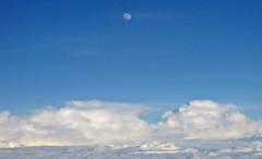 regreso de Guatemala 34 (Visualstica) Tags: sky moon mxico clouds nuvole wolke aerialview aerial luna cielo nubes nuage mx area windowseatplease vistaarea