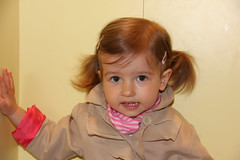 Portrait of little girl (alexander.dischoe) Tags: portrait girl face canon eos toddler gesicht trenchcoat kleinkind zpfe 550d