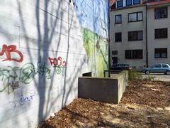 Bremen Hochbunker (2012) - Neukirchstrasse/Magedeburgerstrasse (Wattman (trams, treinen, etc)) Tags: concrete nazi wwii bunker bremen beton airraidshelter wereldoorlog hudge schuilen stahlbeton zivilschutz schuilstad