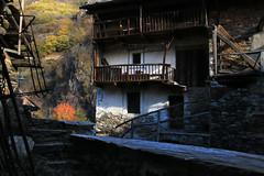 Val d'Aosta - Valle di Gressoney: Perloz, Chemp (mariagraziaschiapparelli) Tags: valdaosta valledigressoney perloz chemp camminata allegrisinasceosidiventa autunno sculture angelobettoni montagna monterosa mountain