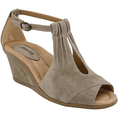 """Earth Caper sandal ginger • <a style=""""font-size:0.8em;"""" href=""""http://www.flickr.com/photos/65413117@N03/33538955236/"""" target=""""_blank"""">View on Flickr</a>"""