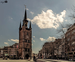 Belfort_Kortrijk (hugomaes1) Tags: tower belfort halletoren kortrijk belgium belfry belltower