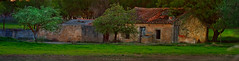 Casa Vieja (Nacho Alexeric) Tags: raw casa campo panoramica vieja verde rojo colores atardecer albacete castilla la mancha petrola lagunas paisaje canon eos7d