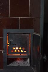 Arriach (Harald Reichmann) Tags: kärnten arriach unterwöllan ofen kachelofen handwerk feuer wärme tradition
