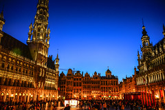 Htel de Ville at Grand Place at Night - Brussels Belgium (mbell1975) Tags: world city brussels house building heritage museum night square de bread lights hotel evening la town hall site europa europe king place belgium belgique dusk cityhall great central belgi bruxelles grand du muse unesco kings government townhall bruselas van markt rathaus maison brssel brussel ville stad stadhuis ayuntamiento roi whs grote htel broodhuis guildhalls gildehuser