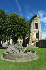 Cerisy-la-Fort, ancienne abbaye (Ytierny) Tags: france vertical architecture pierre ruine normandie btiment eglise manche abbaye edifice vestige abbatiale moine bassenormandie cerisylafort lieudeculte bndictin cerisyais ytierny