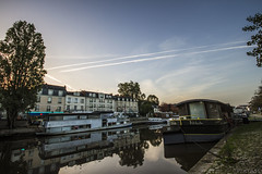Bord de l'Erdre - Nantes, France (Pixtase) Tags: urban canon french sigma 7d 1020mm pniche franais nantes urbain photographe erdre nantais pixtase vision:mountain=0538 vision:sunset=0853