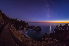 Venus and the Milky Way (HavCanon.WillTravel) Tags: california nightphotography sunset reflections venus bigsur pacificocean waterfalls walkways meteor us1 milkyway juliapfeifferburnsstatepark canon6d ef815f4fisheyelens vision:mountain=0532 vision:sunset=0558 vision:sky=0957 vision:clouds=0613 vision:outdoor=0932 vision:ocean=0548