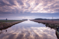 Slochterdiep sunrise (koos.dewit) Tags: holland water clouds sunrise canon reflections thenetherlands wolken groningen zonsopgang 6d 2014 spiegelingen 1740mml slochterdiep lageland koosdewit