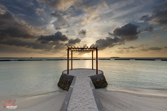 Maldive - Beautiful sunset at Kurumba Resort ( Saleh AlRashaid / www.Salehphotography.net) Tags: sunset canon mark iii dramatic filter lee 5d saleh maldive     alrashaid