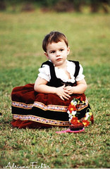 8375 20 (Adriana Fchter) Tags: park portrait baby girl museum kids retrato mulher desiree bebe criancas menina traje brincadeiras tradicional amada trajes alema