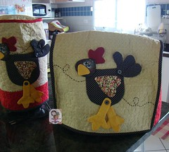 Capa de batedeira..... (Ma Ma Marie Artcountry) Tags: chicken galinha country patchwork cozinha cocs galinhacountry capadebatedeira galinhaemtecido