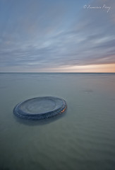 Circulo vicioso. (Francisco J. Prez.) Tags: naturaleza nature mar spain paisaje cielo cdiz sigma1020mm campodegibraltar pentaxart pentaxk5 franciscojprez