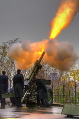 DSC_7298_ (GRB_Ott) Tags: ontario canada ottawa artillery remembranceday hdr 105mmhowitzer canadianarmy 2013