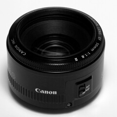 Canon 50mm f1.8 (lui summer) Tags: canon lens 50mm good plastic f18 18 50 cheap lense linse objektiv niftyfifty