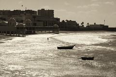 Bao de temporal (Juanito Ramrez) Tags: urban bw espaa blancoynegro beach canon eos social andalucia urbana cdiz caleta eos50d efs1585mmf3556isusm