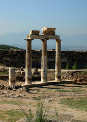 Turcja - Hierapolis (tomek034 (Thank you for the 400 000 visits)) Tags: turcja vision:outdoor=099