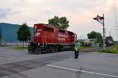 Flagging (Michael Berry Railfan) Tags: train quebec montreal lasalle canadianpacific cp freighttrain emd gp382 gmd lasalleloop dorionturn cp3072