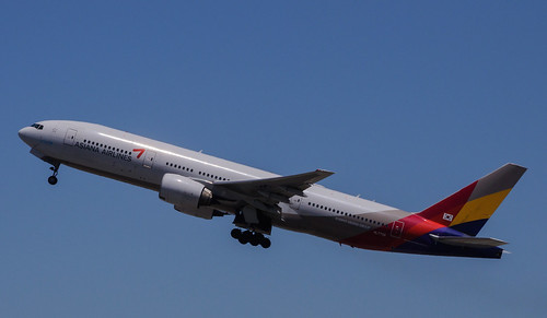 Asiana Airlines - HL7739