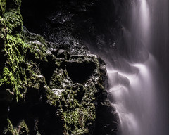 skull cave (eanwe) Tags: longexposure light water rock waterfall moss rocky bluemountains cave